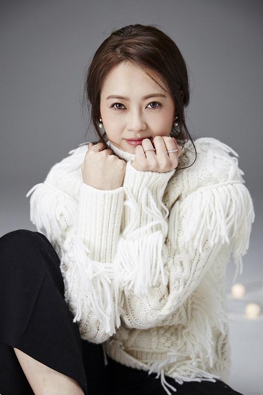 """예쁜 고아라? """"카멜레온 같은 배우 될래요""""… kmib가 만난 스타 기사의 사진"""