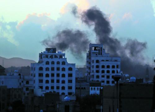 [월드 프리즘] 오일달러 떨어진 사우디-핵타결 된 이란… '2강 균형' 깨진 중동의 새판짜기 파열음 기사의 사진