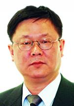 [정진영 칼럼] '응팔'에서 읽는 한국경제의 불안 기사의 사진