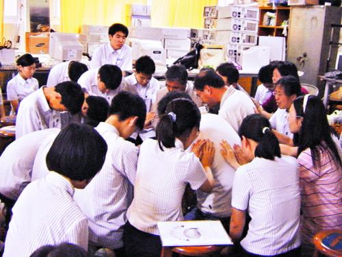 [역경의 열매] 최관하 <10> 미국 손님과 예배 드릴 기술실 폭우로 잠길 위기 기사의 사진