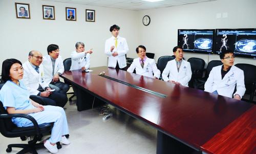 [명의&인의를 찾아서-(52) 세브란스심장혈관병원 주현철 교수팀] 초응급 대동맥 파열 환자 살리는 드림팀 기사의 사진