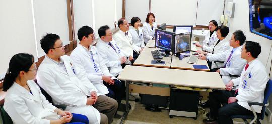 [명의&인의를 찾아서-(57) 아주대병원 부인암센터] 국내 최고 수준… 초기 환자 5년 생존율 95% 기사의 사진