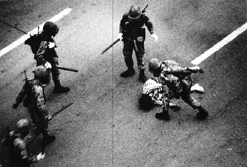 """[단독] """"또 다른 이란 안돼""""… 반미 확산 우려 유혈진압 용인 기사의 사진"""
