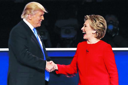 [2016 미국의 선택] 힐러리, 5개 경합주 지지율 트럼프에 앞서 기사의 사진
