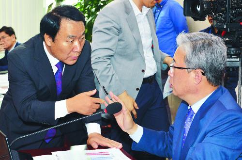 교문위 국감  이번엔 '이대 총장 증인채택' 파행 기사의 사진