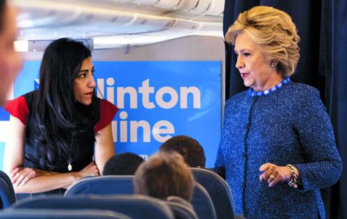 [2016 미국의 선택] 끝나가던 美 대선판 뒤흔든 두 사람 기사의 사진