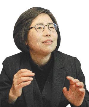 """김영란 前대법관 """"측근 통제 못한 리더에게 책임 물어야"""" 기사의 사진"""