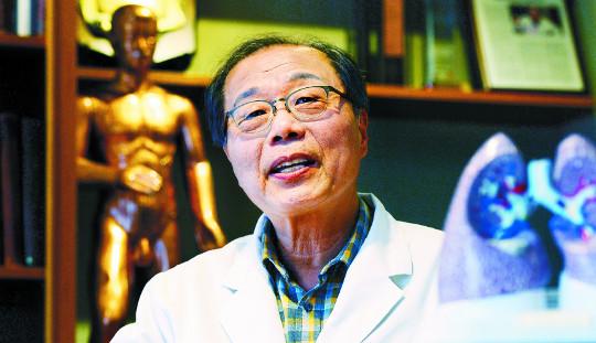 [명의&인의를 찾아서-(91) 폐기관지질환 전문 편강한의원] 청폐 진료철학 녹인 편강탕, 국제학술지도 인정 기사의 사진