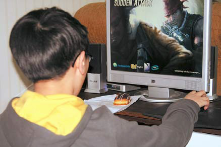 [쿡기자의 건강톡톡] 사랑스런 자녀가 게임에 빠졌다면…  게임시간 줄일 수 있는 환경조성을 기사의 사진