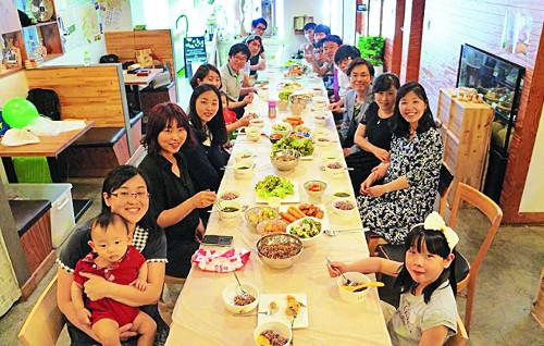[개척교회 열전] 6개월 이상 출석해야만 정회원 자격… 카페서 예배 드리는 '문턱 높은 교회' 기사의 사진