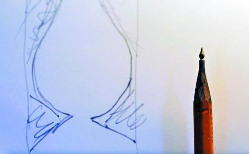 [책속의 컷] 9·11 희생자 추모하는 연필심 기사의 사진