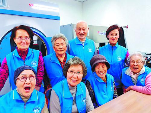 [톡톡! 우리교회-경기 양평 국수교회의 '한사랑 빨래터'] 동네 어르신 30명에 알바 일거리 제공 기사의 사진