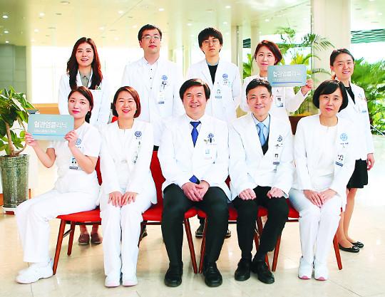 [명의&인의를 찾아서-(112) 세브란스병원 자가면역 혈관염 클리닉] 희귀 혈관염 환자들의 희망 기사의 사진