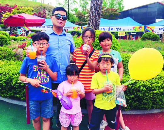 [김선주의 작은 천국] 이 빠진 어린이날 기사의 사진