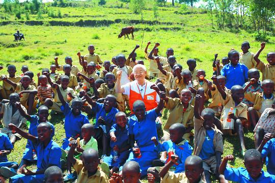 """[밀알의 기적] """"입에 풀칠하기 힘들어도 아이들 학교는 보내고 싶어요"""" 기사의 사진"""