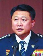 文정부 출범이 낳은 격세지감… 이철성 경찰청장과 이영렬 검사장 기사의 사진