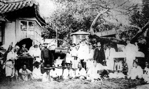 초기 선교사들의 '장터 전도'를 아시나요 기사의 사진