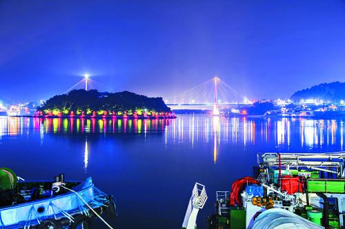 夜~好… 낮보다 밤이 화려한 '물의 도시' 여수 기사의 사진