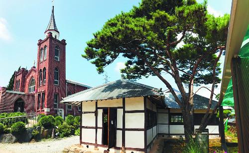 남녀칠세부동석의 기억… 둘만 남은 'ㄱ자 한옥교회' 이야기 기사의 사진
