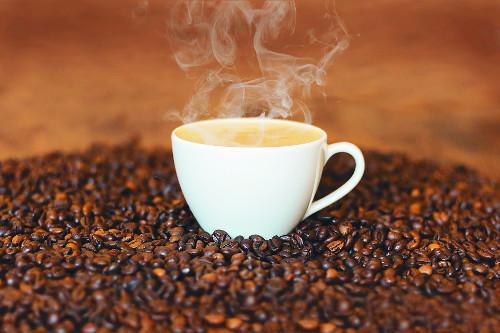 [색과 삶] 갈색 커피 기사의 사진