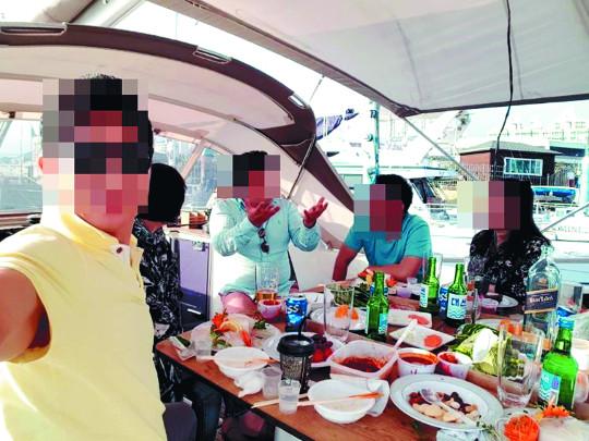 복지단체 회장, 기부금 126억 '꿀꺽'… 요트 호화생활 기사의 사진