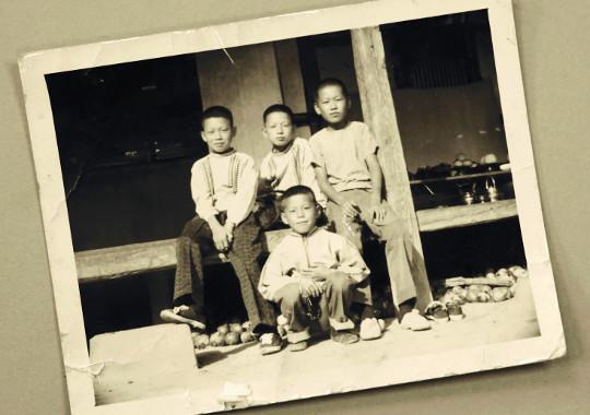 [색과 삶] 흑백사진 기사의 사진