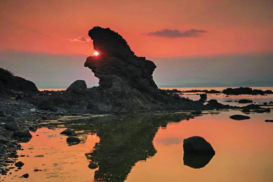 '호랑이 꼬리'에서 마주하는 황홀한 일출·일몰 기사의 사진