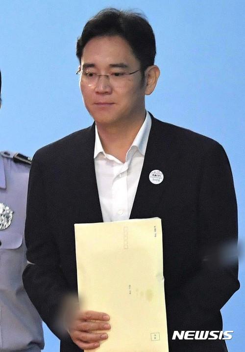 삼성 VS 특검 2R 승자는? '뇌물공여' 항소심 28일 시작 기사의 사진