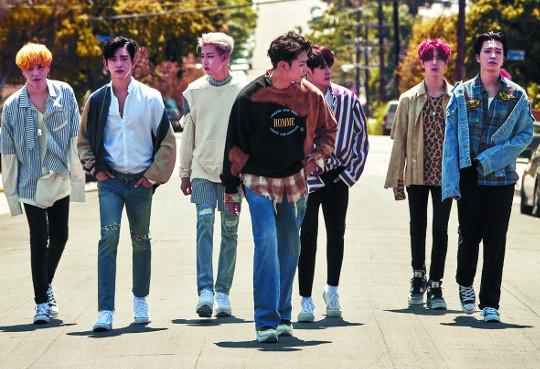 무섭게 성장하는 보이그룹 '갓세븐' 기사의 사진