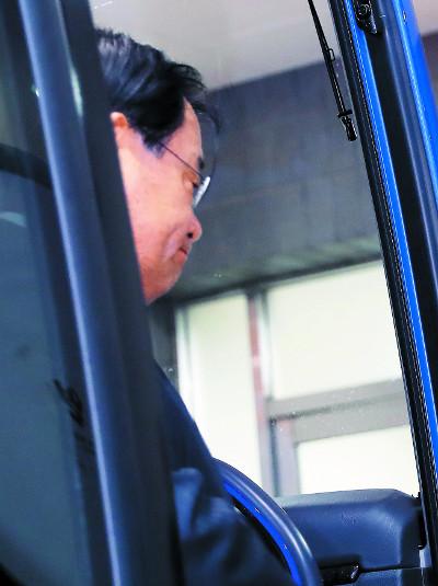 靑 상납 혐의로… 朴정부 국정원장 3명 모두 구속 위기 기사의 사진