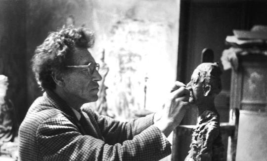 [나는 누구인가? 자코메티의 예술세계] 그는, 삶의 군더더기를 매일매일 깎아내고 있었다 기사의 사진