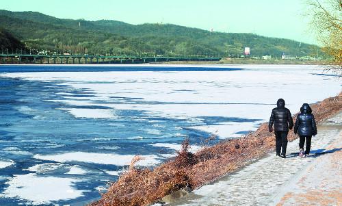 올겨울 '최강 한파'… 12일 최저 영하 21도 기사의 사진