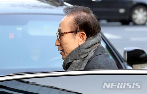 '다스 120억 의혹' 檢 수사 3개 관문 넘어야 기사의 사진