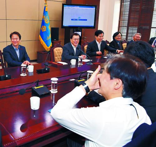 靑, 권력기관 개편 이어 정부 혁신 드라이브 기사의 사진