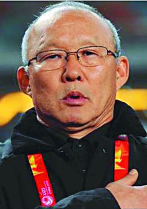 [미션&피플] 특유의 지도력 발휘 '베트남 축구 영웅' 된 박항서 감독 기사의 사진