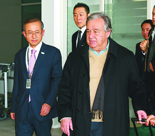 [포토] UN사무총장 입국 기사의 사진