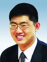 [뉴스룸에서-김지방] 러브샷의 추억 기사의 사진