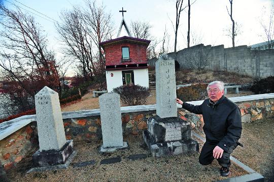 [오기완과 떠나는 성지순례 '한국의 산티아고 길' 680㎞를 걷다] ⑥ 전주선교사묘역 기사의 사진