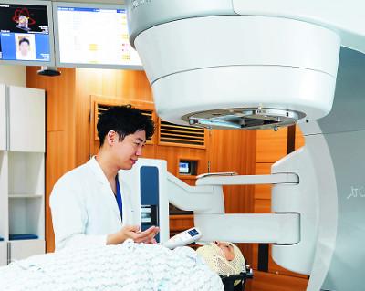 아주대병원, 새 방사선 암 치료기 '하이퍼아크-트루빔STx' 아시아 최초 도입 기사의 사진