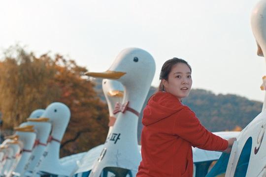'수성못' 아무리 발버둥쳐도 제자리… 굳세어라 청춘 [리뷰] 기사의 사진