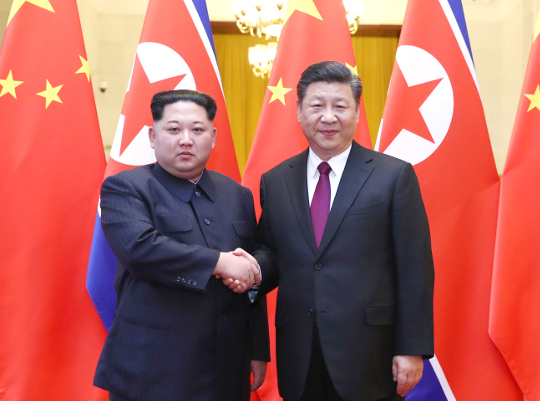 급속히 밀착하는 北·中… 시진핑 6월 조기 방북설 기사의 사진