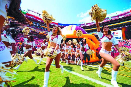 美 NFL '性스캔들'… 치어리더 인권침해 논란 기사의 사진