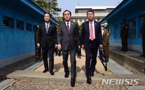 오늘 남북 고위급회담… '판문점 선언 이행' 머리 맞댄다 기사의 사진