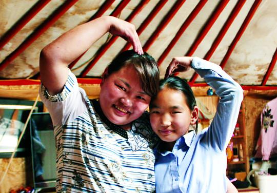 [훈육과 학대의 갈림길] 佛·日 '사랑의 매' 존재 … 몽골, 법으로 부모 체벌 금지 기사의 사진