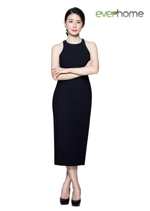에버홈, 배우 이보영과 에버홈글라스텐 TV광고 제작 기사의 사진