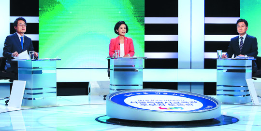 선거마다 표심 흔들던 TV토론, 이번엔 싸늘한 반응 왜? 기사의 사진