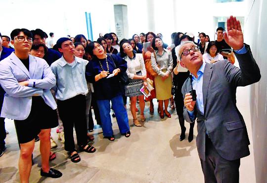국립현대미술관장이 직접 큐레이터로 나선 까닭은… '사진에 저항하다'展 기사의 사진