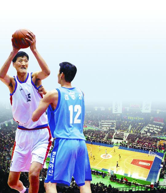 [And 스포츠] 15년 만에 다시 쏜 평화의 점프슛… 남북통일농구대회 기사의 사진