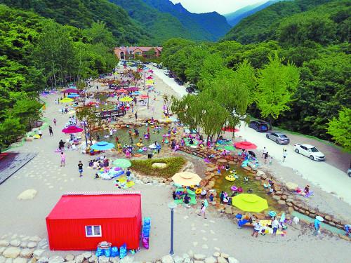 다섯 선녀 놀던 '동해 무릉 오선녀탕'에서  더위 날리고 건강 챙기세요∼ 기사의 사진