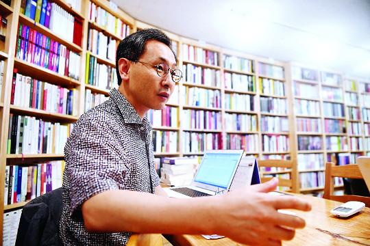"""""""여기가 도서관이야, 교회야?""""… 목회, 문화를 품다 기사의 사진"""